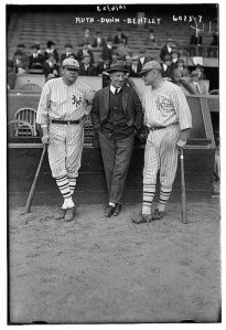 babe-ruth-jack-dunn-in-middle
